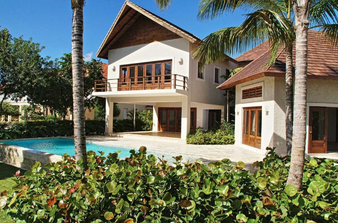 Exclusiva villa a estrenar ubicada en tortuga bay punta for Villas en punta cana